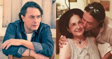 Γιάννης Κότσιρας: Συγκινεί το μήνυμα για τη μητέρα του- «Η καρέκλα σου εκεί. Άδεια»
